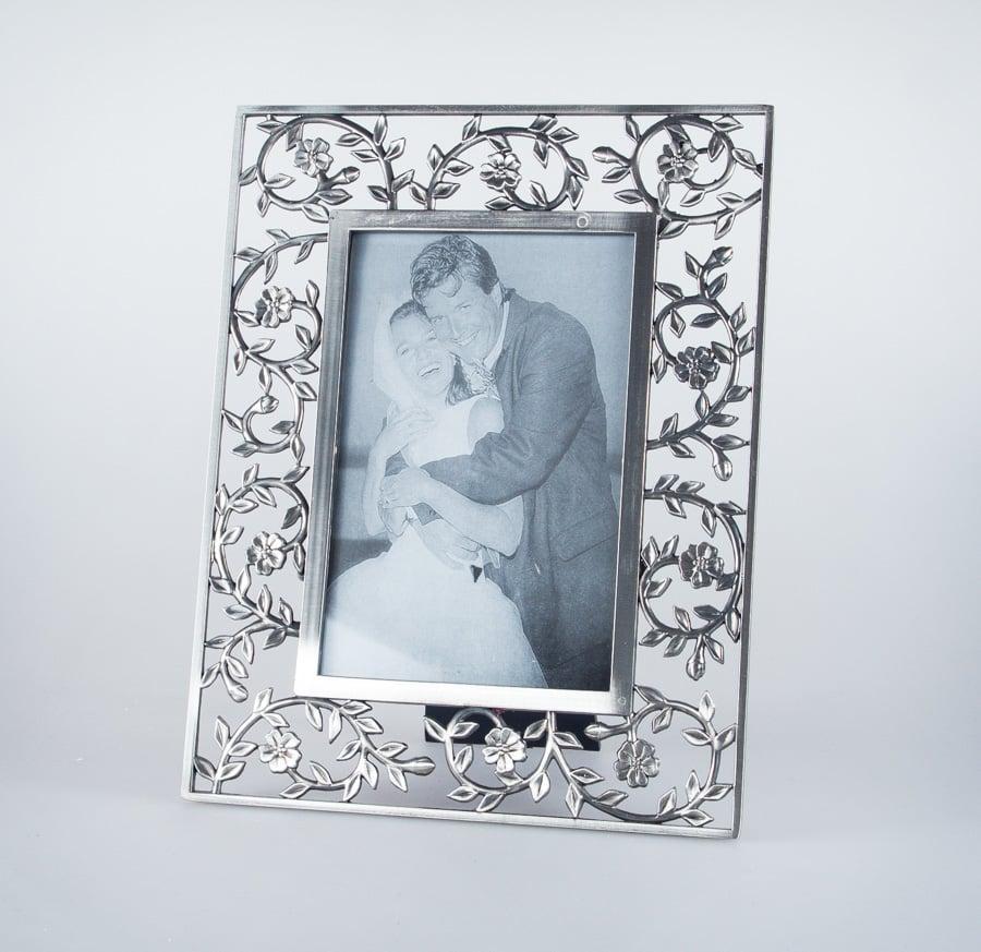 ornate picture frame with vine surround   st nectans glen